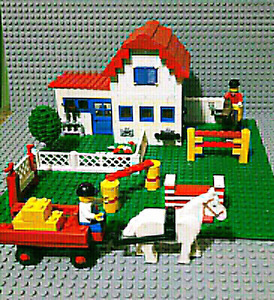 LEGO RIDING HORSE STABLE