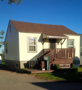 3 bed, plus large den- Move in Ready