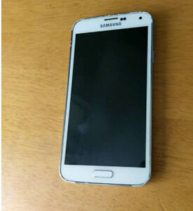 SELLING SAMSUNG S5 PRICE NEGOTIABLE