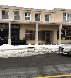 Move in Ready 831 SF Commercial Lease near Oakville Place