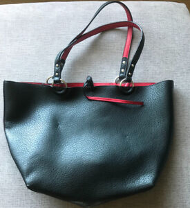 **BLACK & RED  FAUX LEATHER PURSE FOR SALE**