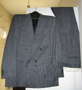 Men's suit - used - reg 42