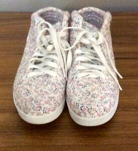 Ladies Dressy Running Shoes - St. Thomas