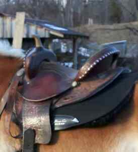 Blue Ridge barrel saddle.