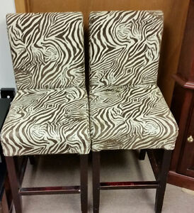 2 PUB HEIGHT CHAIRS