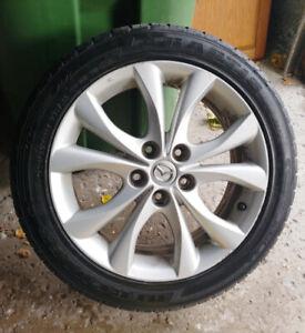 4 mags mazda 3 pneus d'été 205-50-17