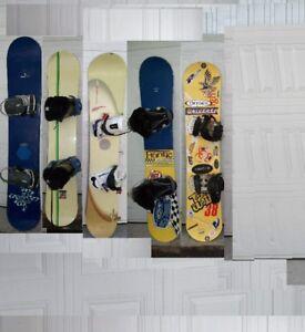5 Snowboards package (155, 155,  152, 151,138 cm )/ Planche à ne