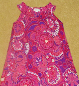 THE CHILDREN'S PLACE Girls Medallion Tunic in Size 7/8