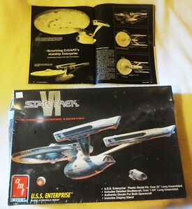 Star Trek USS Enterprise Model & 2 Bonus Magazines