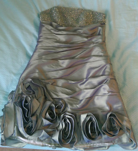 Short Grad Dress size 8
