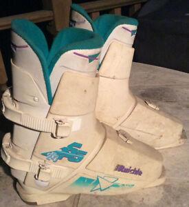 Bottes Fem RAICHLE 255 Women's Ski Boots (7.5)
