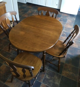 Solid Wood Dinning Set with Leaf