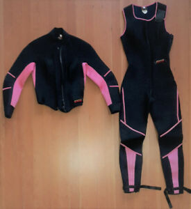 Women's 2-piece wetsuit labeled size 6, but fits like size 4