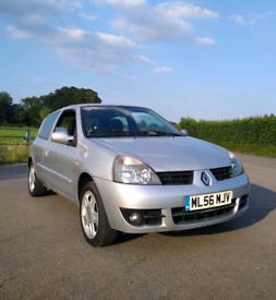 Renault Clio long Mot