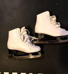 White figure skates size 1