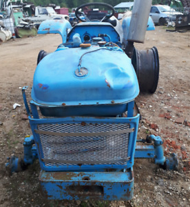 Tracteur LEYLAND 255