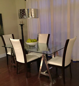 class and chrome dining room table with 6 chairs, like new