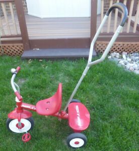Radio Flyer Steer and Stroll Trike .. 2 In One Design