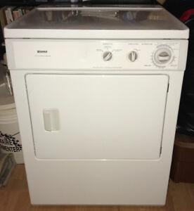 Kenmore Dryer with electronic moisture sensor