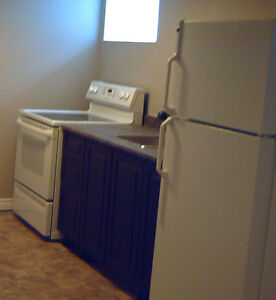 Clean 1 Bedroom with ensuite laundry $900 Located West Galt