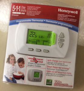 Honeywell Programable Thermostat Model RTH6400D