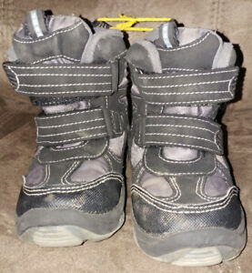 Girl's Toddler Winter Boots Size 7