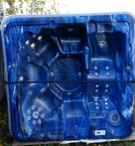 HOT TUB FOR SALE!!