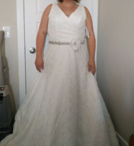 Mori Lee Off White Size 16 Wedding Dress NEVER WORN OR ALTERED