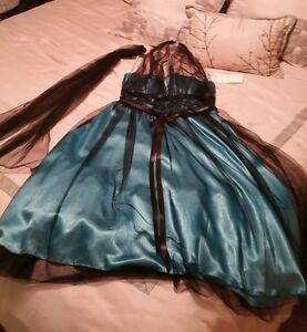 Dress ideal for prom or other special event