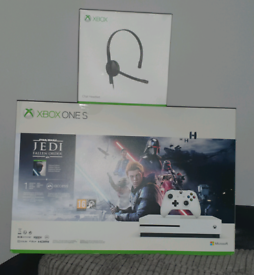 Xbox one headset for Sale | Xbox One | Gumtree