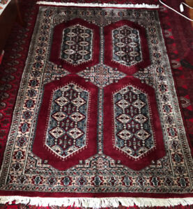 Authentic Persian handmade of wool & silk rug  6`  x 4` 1.5 ""