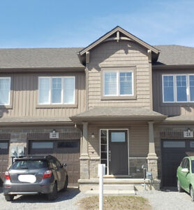 Home for Rent for Working Professionals/Family - Thorold