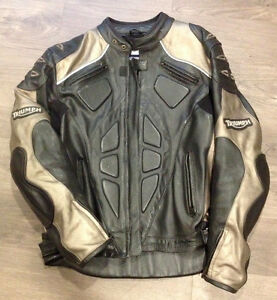Triumph Leather Motorcycle Jacket Sarnia Sarnia Area image 1