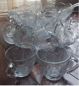 Punch Bowl with cups and hooks