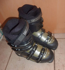 Nordica downhill ski boots, mondo size 25, excellent cond. Kitchener / Waterloo Kitchener Area image 2