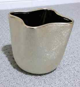 GOLDEN GLITTER VASE PLANTER POT - BRAND NEW   London Ontario image 2