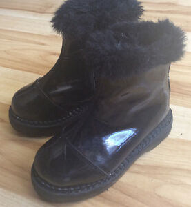 Girls Size 9 Black Rubber Boot