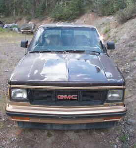 1985 GMC S15 4x4 Manual Ext cab for parts or project