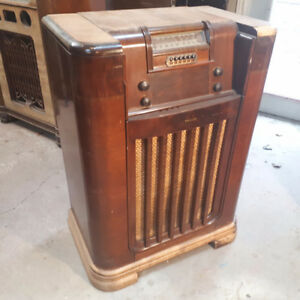 Radio record player Philco