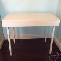 Bureau IKEA usagée blanc