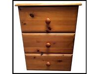 Antique Style Pine 3 Drawer Cabinet Bedroom Furniture Solid Bedside