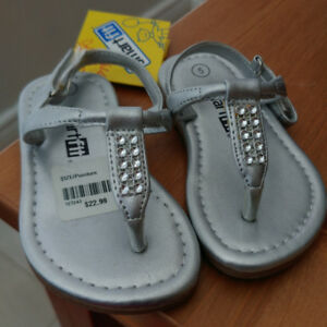 Girls Sandals, silver with gems, summer, size 5, brand new
