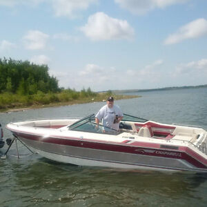 1989 Chaparral 23sx with trailer