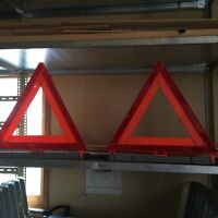 Commercial, heavy duty weighted warning triangles