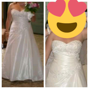 Anjolique sz 16W wedding dress