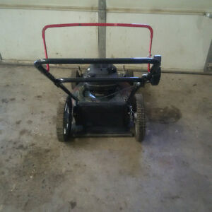 """Sears self-propelled 22"""" lawnmower with lots of extra parts Kingston Kingston Area image 3"""