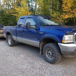 2003 Ford F-250 XLT Pickup Truck