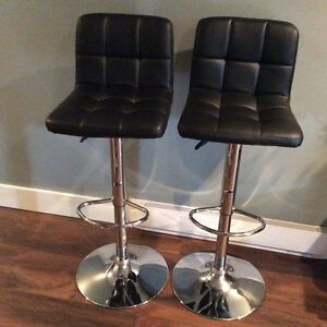 Counter Height Stools Jysk : piece Bar with 5 Swivel stools. Solid wood with leather on stools ...