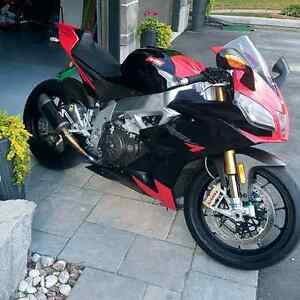 2010 RSV4 Factory non APRC Cambridge Kitchener Area image 2