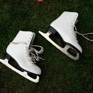 Size 3 Skates London Ontario image 4